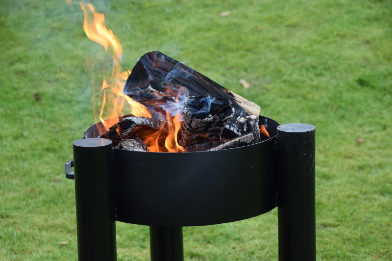 dutch oven feuerschale von flammo grill blog. Black Bedroom Furniture Sets. Home Design Ideas
