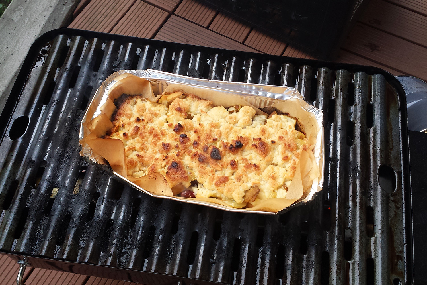 Obst-Crumble vom Grill